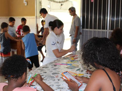 Diretoria de Obras Civis da Marinha realiza doações para o Natal das crianças