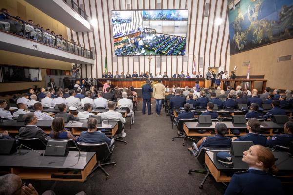 Força Aérea Brasileira recebe homenagens na Bahia