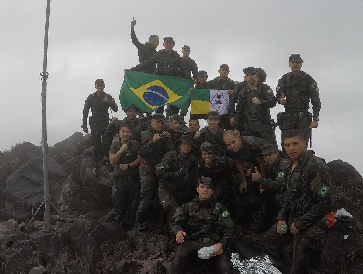 Militares da 2ª Brigada de Infantaria de Selva realizam expedição ao Pico da Neblina para troca da bandeira