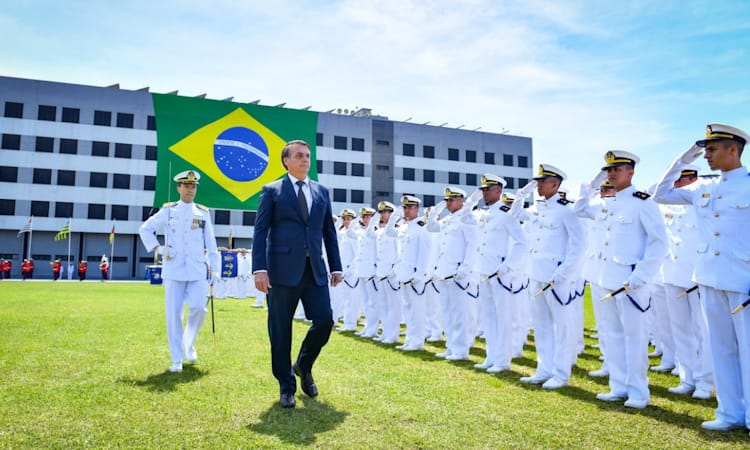 Marinha forma mais 205 oficiais para a defesa do Brasil