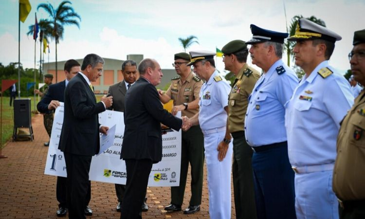 Ministro da Defesa entrega Prêmio para Organizações Militares participantes do PROFESP
