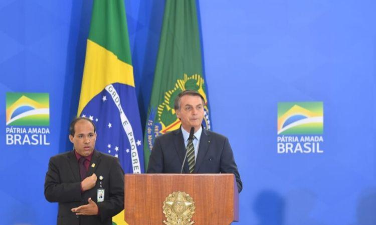 Oficiais-Generais promovidos recebem cumprimentos do Presidente Bolsonaro