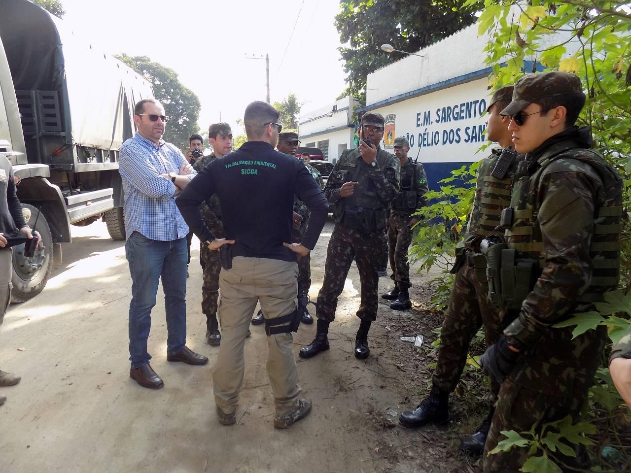 1º Batalhão de Engenharia de Combate (Escola) participa de operação contra extração ilegal de areia no Rio de Janeiro