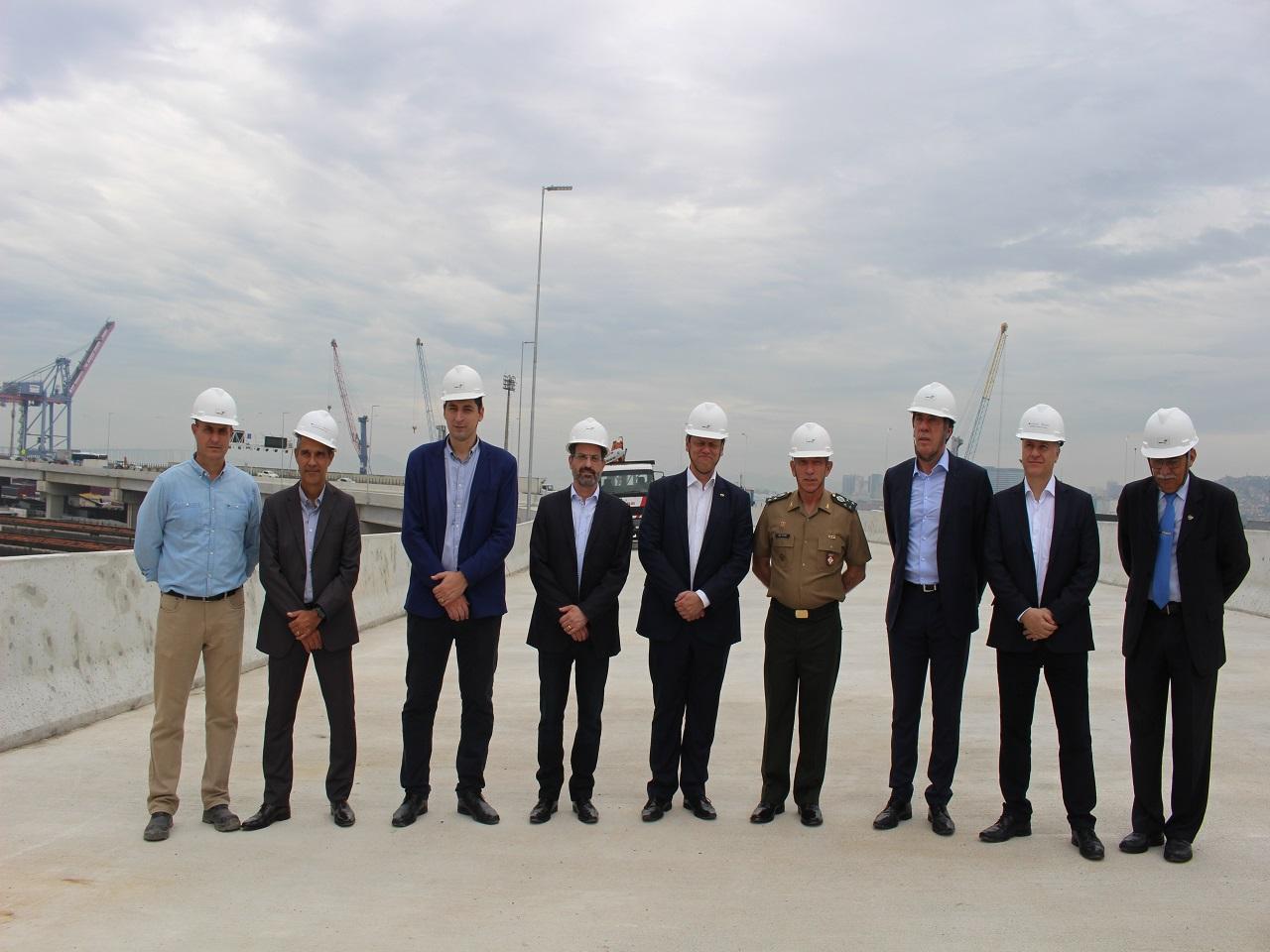Visita do Sr Ministro da Infraestrutura às obras da alça viária de acesso da Ponte Rio x Niterói