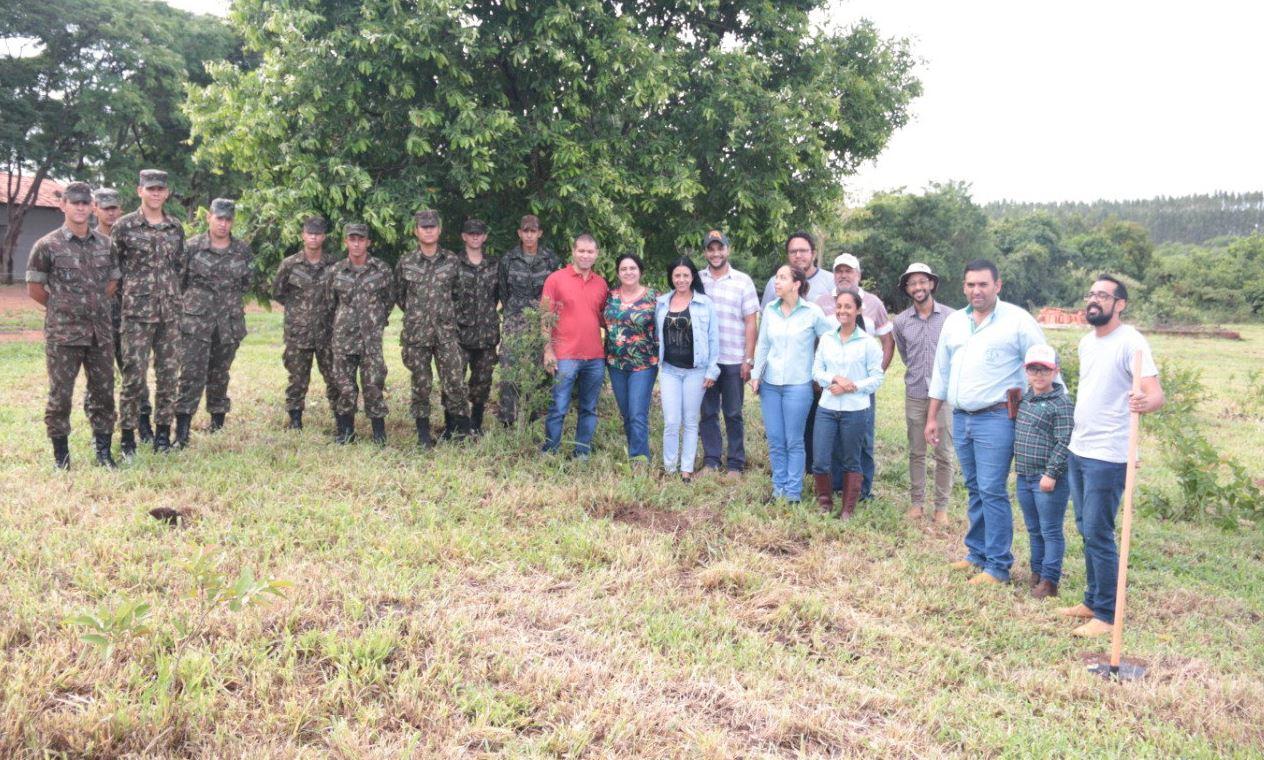 23ª Companhia de Engenharia de Combate participa de projeto ecológico na cidade de Ipameri (GO)
