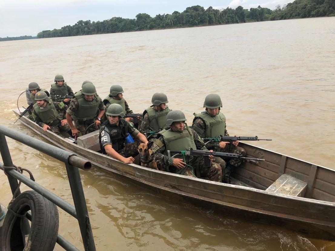 Reforço de tropas e chegada de meios logísticos na fronteira do Brasil com a Colômbia, na Selva Amazônica