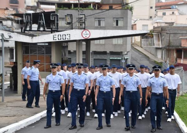 AFA e EPCAR recebem futuros cadetes e alunos
