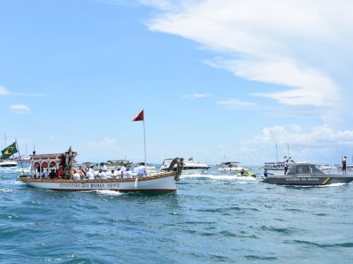 Capitania dos Portos da Bahia garante a segurança da navegação durante tradicional procissão marítima em Salvador