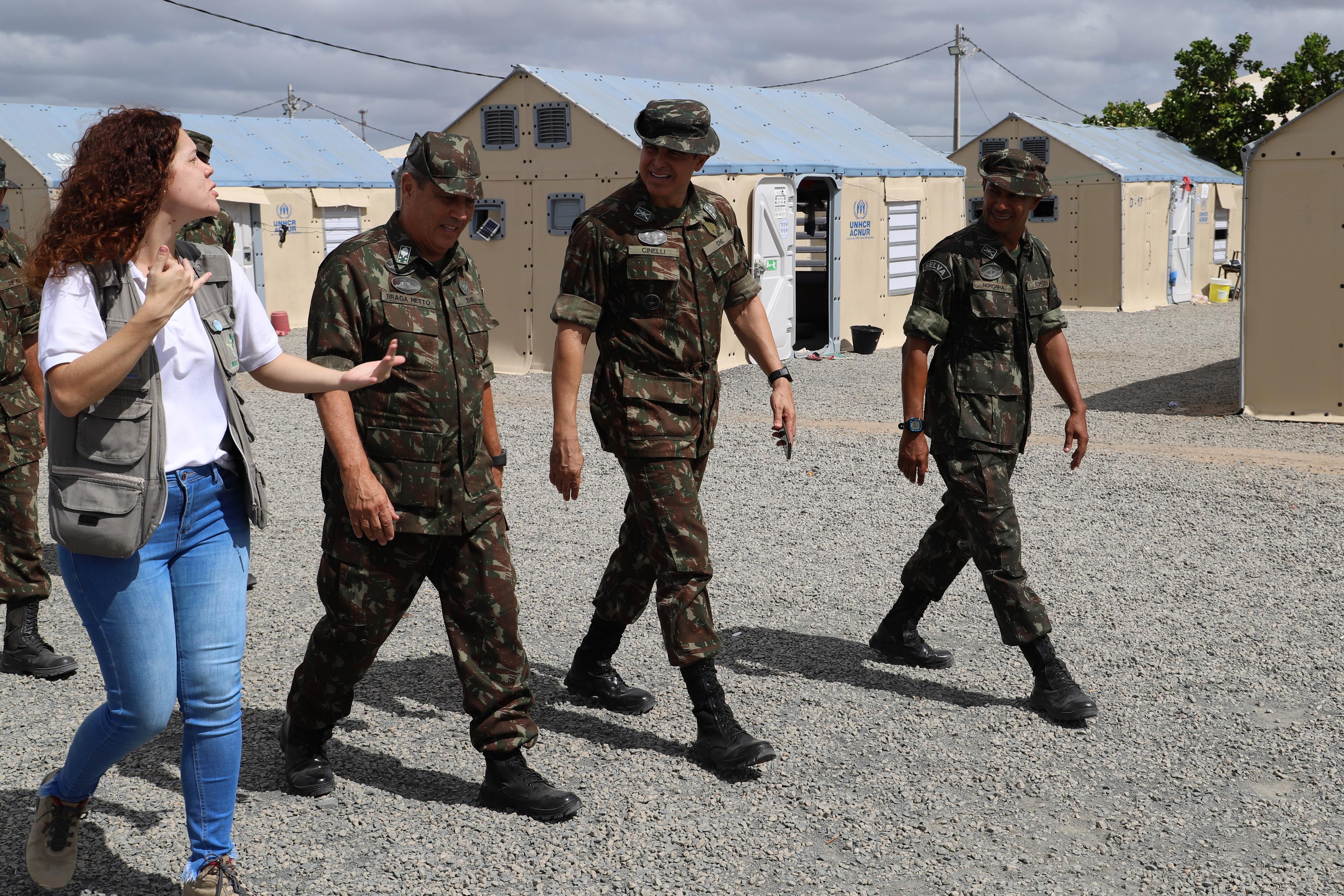Chefe do Estado-Maior do Exército verifica ações de acolhimento e interiorização de imigrantes venezuelanos