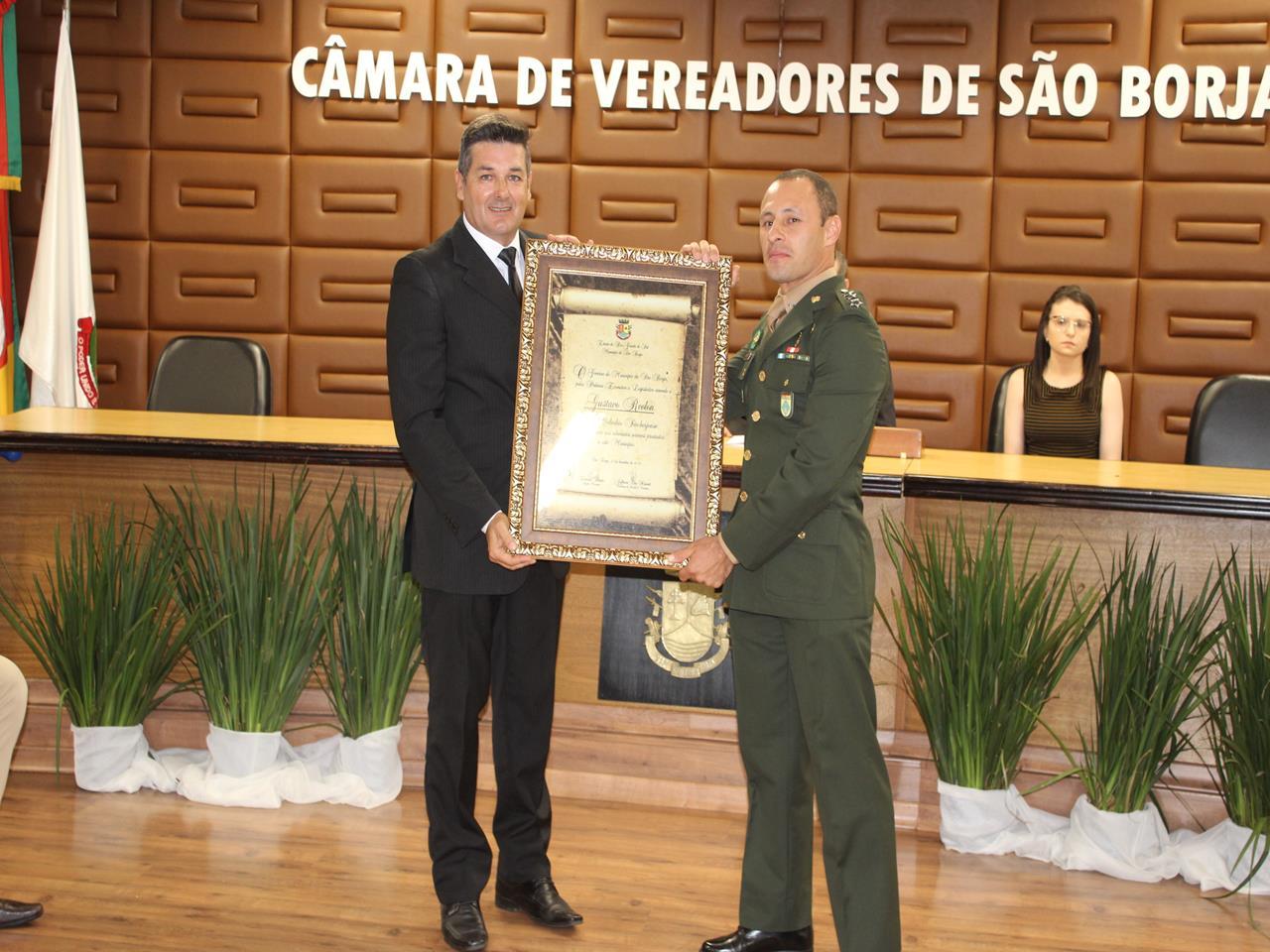 Comandante homenageado na Câmara Municipal de São Borja (RS)