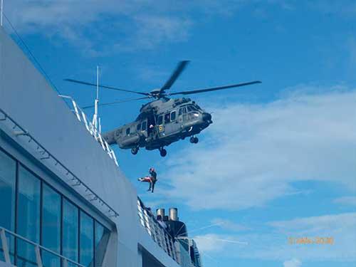 Marinha do Brasil resgata passageira de Navio de Cruzeiro no Ceará