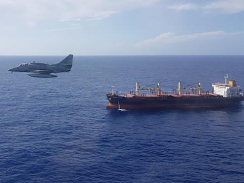 """Caças da Marinha realizam esclarecimento durante a Operação """"Amazônia Azul – Mar Limpo é Vida!"""""""