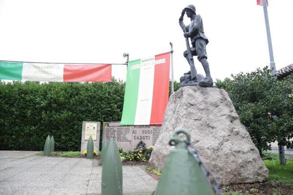 Piloto brasileiro morto na Segunda Guerra recebe busto em museu de Aracaju (SE)