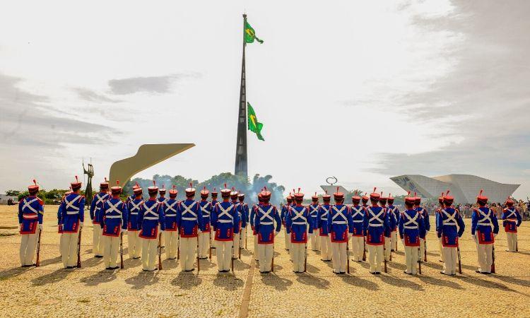 Troca da Bandeira Nacional acontecerá no próximo domingo, 02 de fevereiro