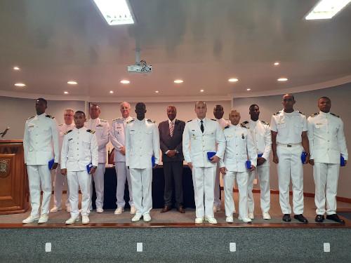 CIAW realiza cerimônia de conclusão do Curso de Formação de Oficiais para Marinhas Amigas