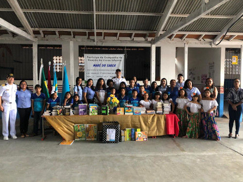 Marinha do Brasil doa 600 livros infantis para escolas públicas no interior do Pará