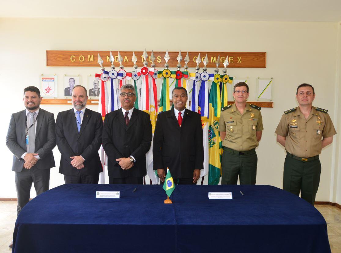 Exército Brasileiro assina acordo de cooperação com o Ministério da Justiça e Segurança Pública
