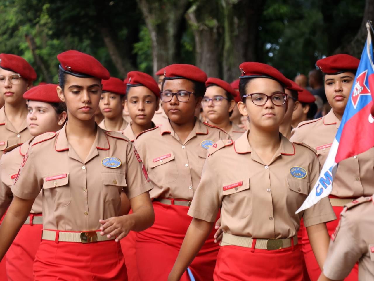 Cerimônia de entrega do distintivo de Legião de Honra