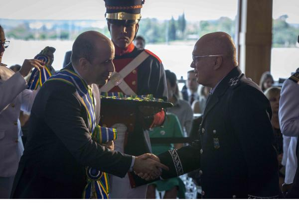 Comandante da Aeronáutica recebe a Comenda da Ordem do Mérito da AGU