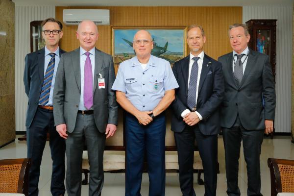 Comandante da Aeronáutica recebe Presidente da SAAB