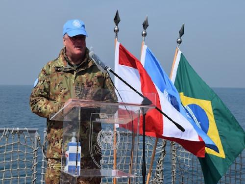 "Corveta ""Barroso"" recebe o Force Commander da UNIFIL para falar sobre Covid-19"