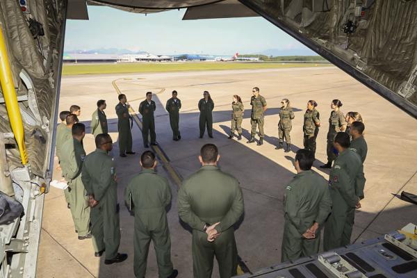 Duas aeronaves da FAB iniciam missão de resgate de brasileiros no Peru