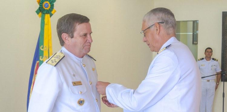 ESG homenageia o Comandante-Geral do Corpo de Fuzileiros Navais