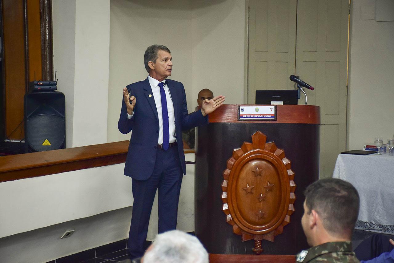 Atual gestão da Itaipu Binacional foi tema de palestra no 1º Grupamento de Engenharia