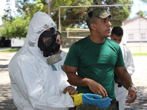 Militares realizam treinamento em Defesa Nuclear, Biológica, Química e Radiológica para Operação Covid-19