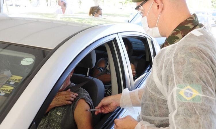 Vacinação contra gripe tem apoio das Forças Armadas