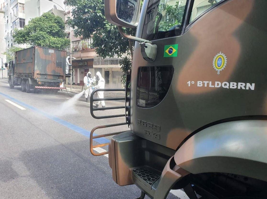 1º Batalhão de Defesa Química, Biológica, Radiológica e Nuclear colocou em prática a desinfecção em locais de grande circulação de pessoas na cidade do Rio de Janeiro