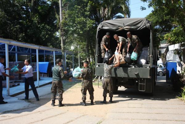 Base Aérea de Santos apoia vítimas dos deslizamentos ocorridos no Guarujá (SP)