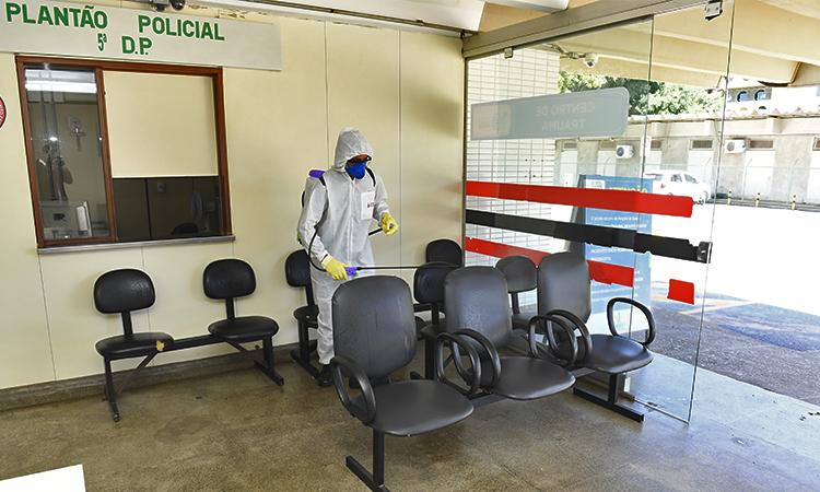 Forças Armadas realizam doação de sangue e desinfecção de hospitais de Brasília