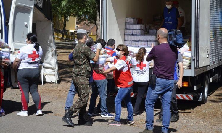 Militares apoiam campanhas de doação de alimentos