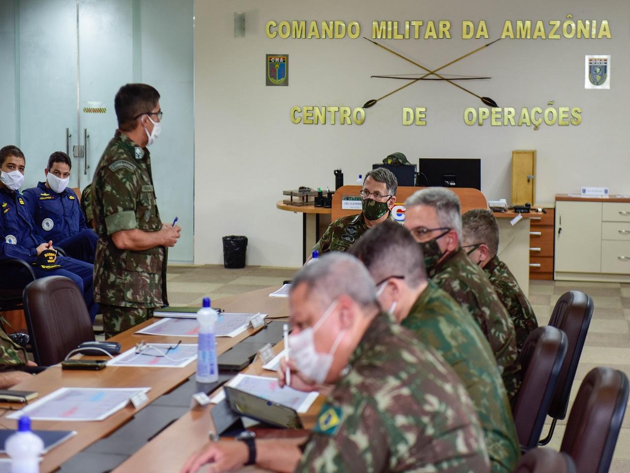 Comandante do Exército verifica ações do Comando Militar da Amazônia nas operações Verde Brasil 2 e COVID-19