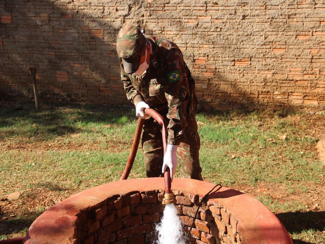 Durante pandemia, Forças Armadas ampliam distribuição de água à população