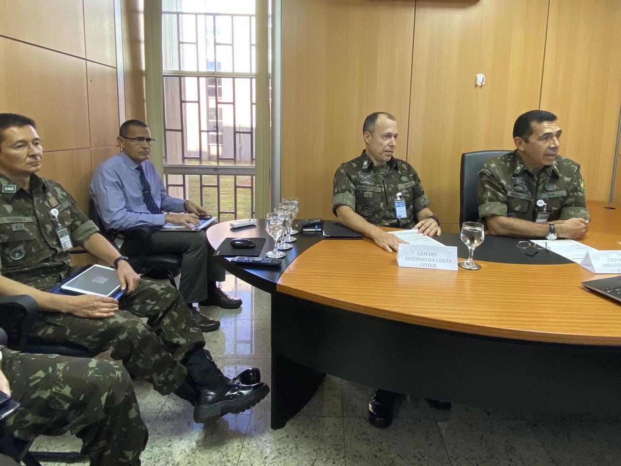 Comando de Operações Terrestres coordena exercícios combinados com o Exército Sul dos Estados Unidos