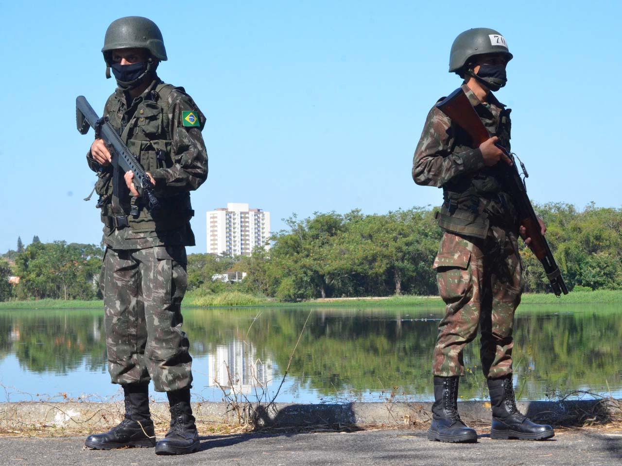 Em Caçapava (SP), 6º Batalhão de Infantaria Leve prepara militares para operações de Garantia da Lei e da Ordem