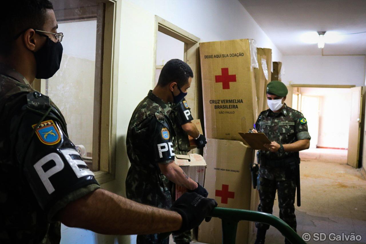Militares cooperam com ações da Cruz Vermelha no combate ao novo coronavírus