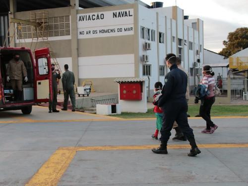 Comando do 6º Distrito Naval resgata criança indígena com suspeita de fratura na clavícula