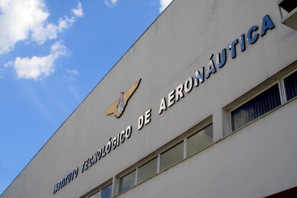 Equipamento desenvolvido pela Aeronáutica identifica novo coronavírus no ar