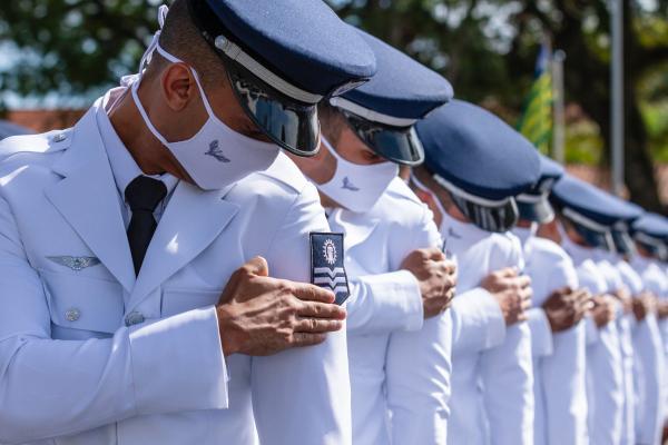 Escola de Especialistas de Aeronáutica forma 271 novos Sargentos