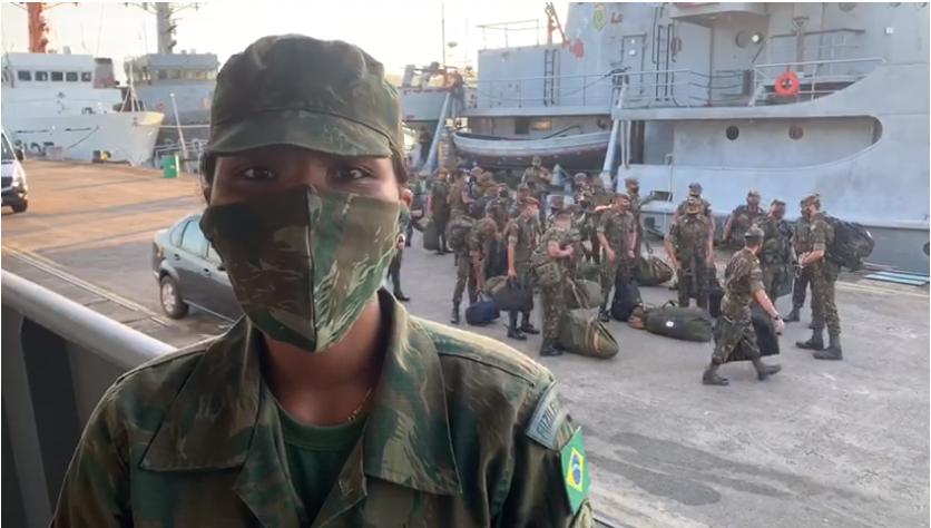 Navio militar transporta 16 mil cestas básicas para distribuição entre ribeirinhos do Marajó