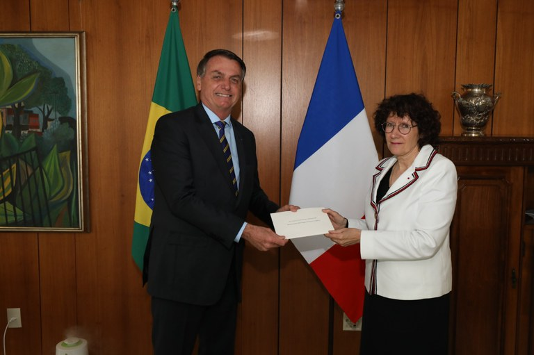 Novas embaixadoras da França e do Vietnam apresentam cartas credenciais ao presidente