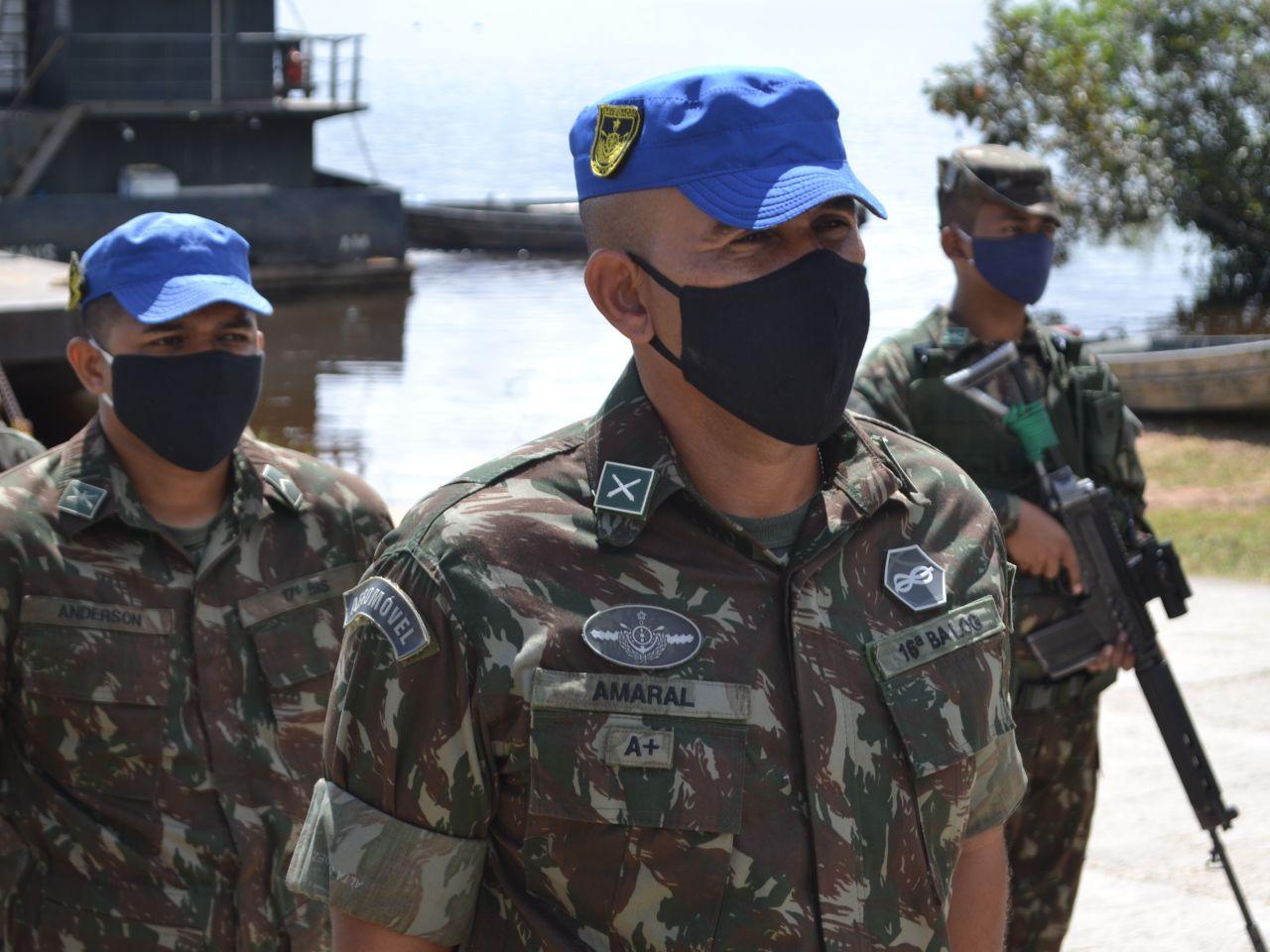 16ª Base Logística transporta equipes de saúde para apoiar comunidades indígenas na Amazônia Ocidental