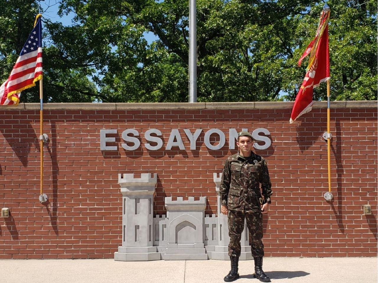"""Oficial Brasileiro conclui o """"Engineer Basic Officer Leader Course"""" nos EUA"""