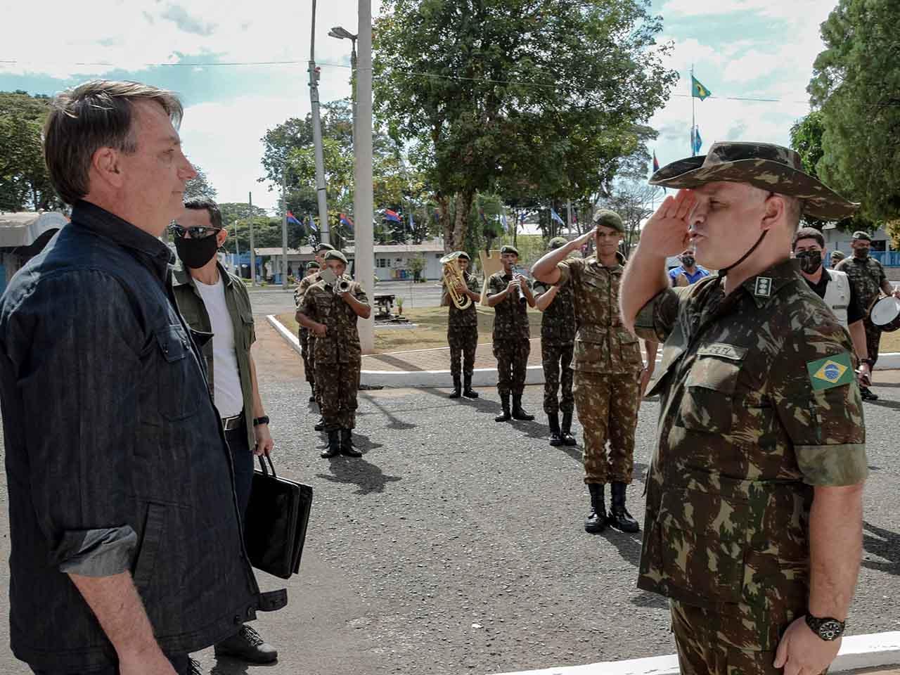 Presidente da República verifica potencialidades do 2º Batalhão Ferroviário