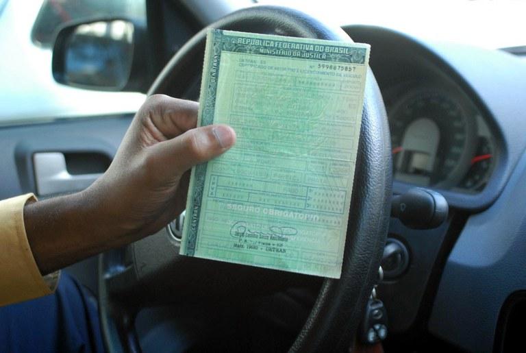 Prazo maior de validade para carteira de motorista é aprovado na Câmara