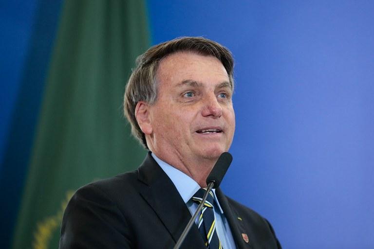 Presidente Jair Bolsonaro sanciona lei que autoriza a doação de alimentos por estabelecimentos