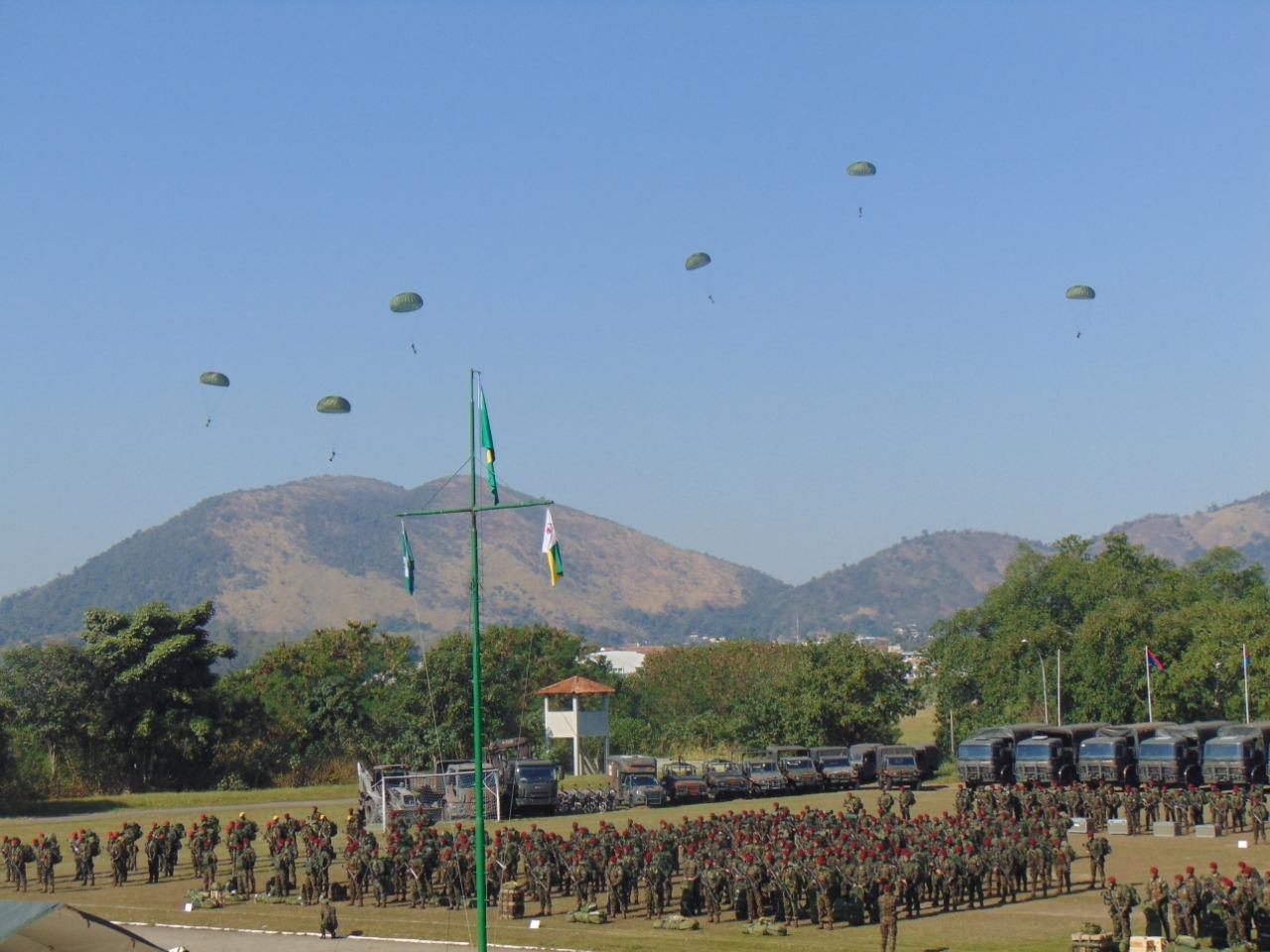 Apronto operacional para certificação da Força de Prontidão da Brigada de Infantaria Pára-quedista